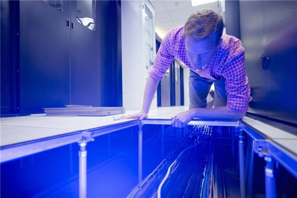 Hot-dip Galvanizing Pedestal in Data Center